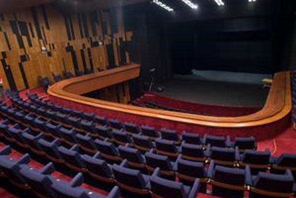 Opravené priestory DPOH otvorilo mesto pre verejnosť 11. júla. Počas leta sa tu odohralo desať predstavení. Divadlo bude naďalej prevádzkovať BKIS.