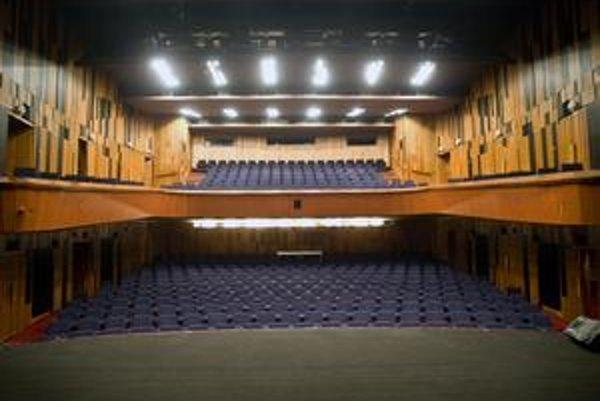 Divadlo DPOH na Laurinskej má uzavretý program do  21. decembra.  Má  aj vlastnú webovú stránku.
