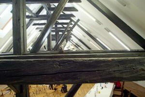 Obnovené podkrovie dnes sprístupnené chce galéria využívať pre reštaurátorov aj návštevníkov.