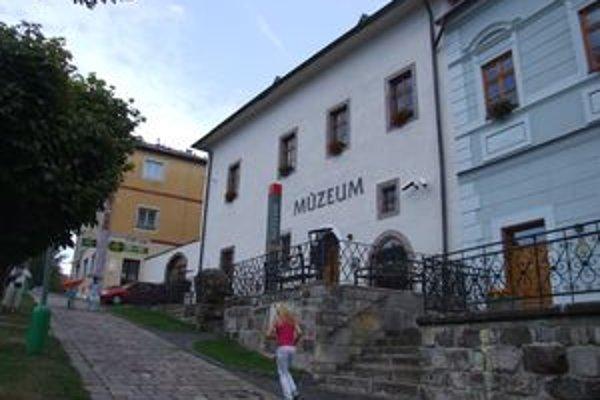Dnes večer sa v kremnickom Múzeu mincí a medailí začne Letná noc múz.