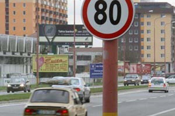 Na časti Panónskej cesty už platí osemdesiatka. Je to v miestach, kde sa podľa polície pohybuje menej chodcov a sú tu jednoduchšie dopravné vzťahy.