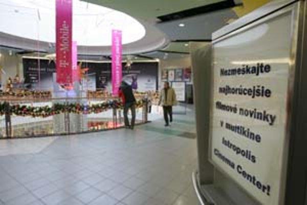 Multiplex v Poluse je už týždeň zatvorený. Podľa manažmentu nákupného centra hľadajú nového prevádzkovateľa.