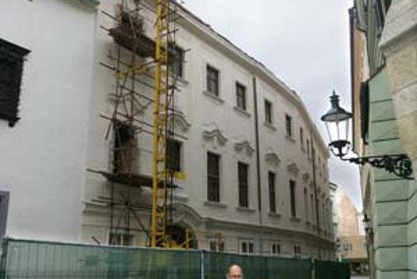 Apponyiho palác by mali sprístupniť v apríli.