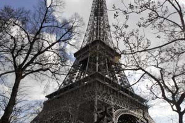 Najznámejšia pamiatka na svete je podľa internetovej encyklopédie Wikipédia Eiffelova veža v Paríži.