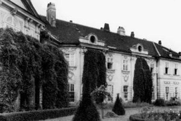 Aspremontov palác – tajuplná stavba neďaleko bratislavskej patológie.