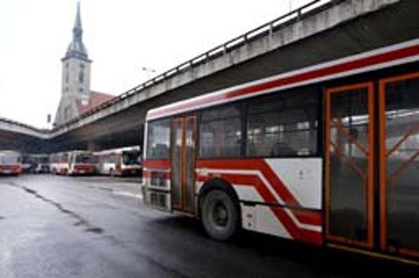 Spod Nového mosta začne premávať nová linka MHD – do rakúskeho Wolfsthalu.