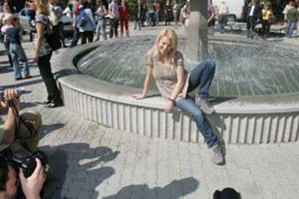 Na otvorenie fontány prišla aj filmová predstaviteľka Zuzany Eva Vejmělková.