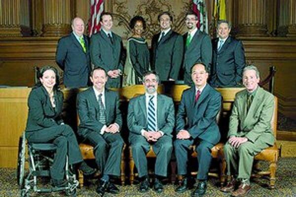 Jedenásti supervízori mesta San Francisko na inauguračnej fotografii. Tá sa robí vždy 8. januára.