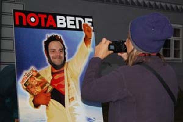 Časopis Nota bene oslavoval, na akcii sa ľudia mohli odfotiť ako pouliční predavači.