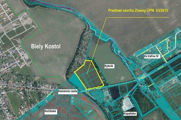 Územný plán za rybníkom sa zatiaľ meniť nebude.