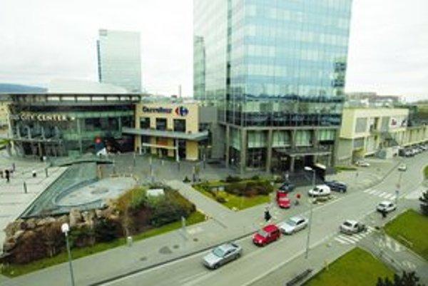 Stavba výškovej budovy pri Poluse sa zatiaľ posúva. Veža mala stáť oproti vstupu do Interu.