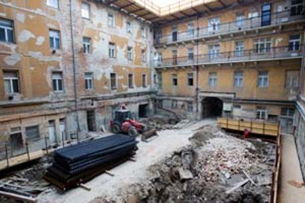Palác Motešických rekonštruuje a nadstavuje firma CDC.
