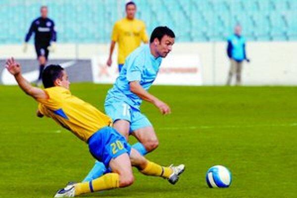Samuel Slovák (vpravo) je optimistom a verí, že v budúcej sezóne už bude Slovan bojovať o ligový titul.