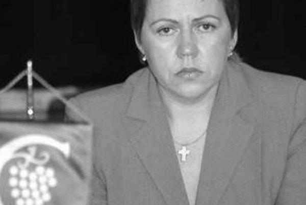 Starostka Karlovej Vsi Iveta Hanulíková (Smer) chcela dať odvolať prednostu úradu, no neuspela.