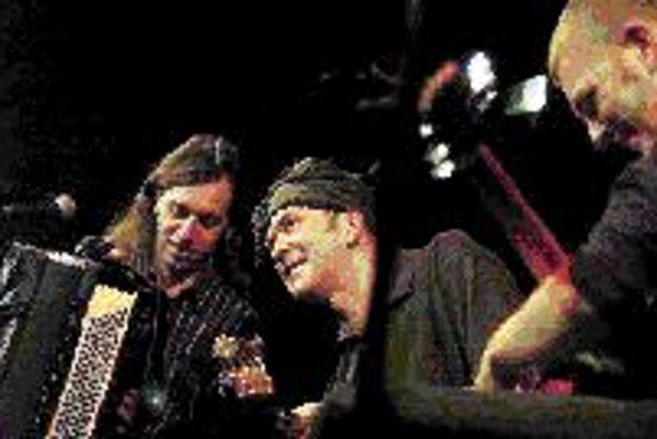 Na snímke jeden z hostí Medzinárodného akordeónového festivalu Amestoy trio.