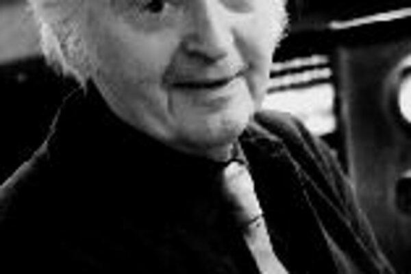 J. S. Bach: Matúšove pašieGeniálne dielo barokového majstra zaznie opäť po dvoch rokoch v Bratislave. Tentoraz bude unikátne umeleckou prítomnosťou dirigenta svetového mena, rodáka zo slovenskej Hnúšte, prof. Jána Valacha (na snímke), ktorý Matúšove paš