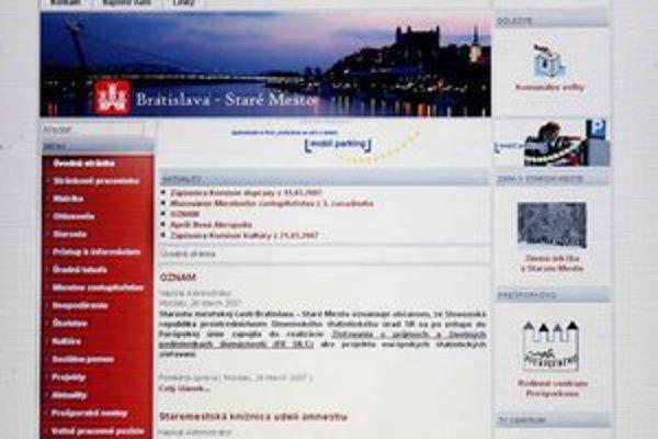 Internetová stránka Starého Mesta obsahuje okrem aktualít aj prepisy všetkých rokovaní zastupiteľstva.
