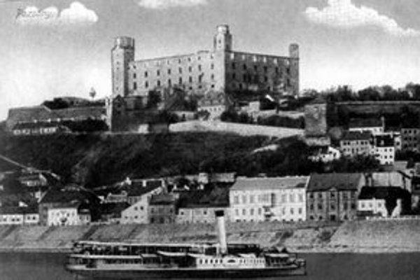 Pohľad na Hrad a podhradie Vydrica na začiatku 20.storočia.