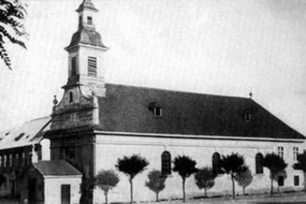 Pôvodný farský kostol predmestia Blumentál. Postavili ho v roku 1784 a v roku 1888 ho prestavali na faru.