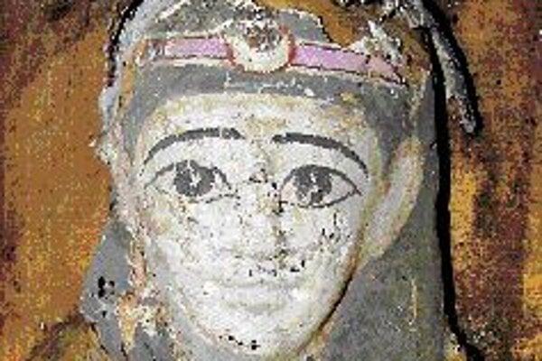 Hlava múmie s maskou z papyrusového kartónu, 1. stor. p. n. l.