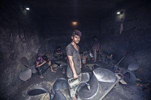Pracujúce deti a tínedžeri nie sú v Bangladéši nič nepatričné.