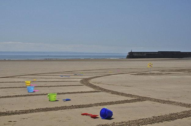 Pláž je pripravená na deti.