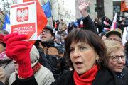 Mnohí Poliaci vinia vládu zporušovania ústavy.