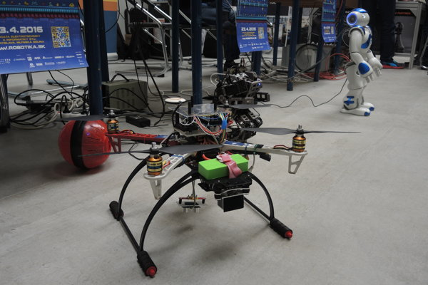 Šikovné ruky študentov vyrobili zaujímavé stroje.