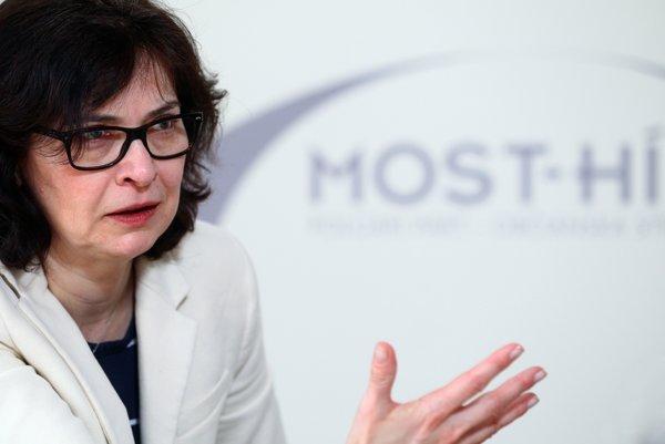 Riešiť problém ľudí, ktorí sa ocitli v exekúciách, pretlačila ministerka spravodlivosti Lucia Žitňanská aj do programu vlády.