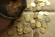 Múzeum láka najmä numizmaticko-historickou expozíciou.