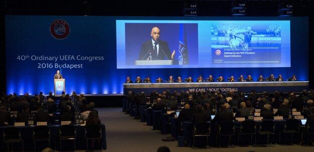 O prijatí Kosova rozhodli delegáti na kongrese v Budapešti.