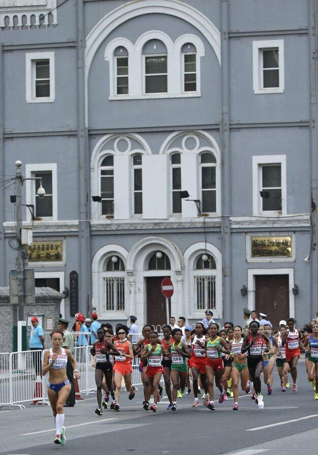 Katarína Berešová (úplne vľavo) reprezentovala Slovensko v maratóne aj na vlaňajších majstrovstvách sveta v atletike v čínskom Pekingu.