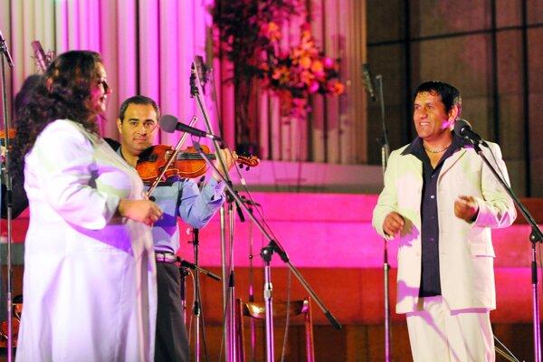 Na snímke vystúpenie rómskej kapely Sendreiovci.
