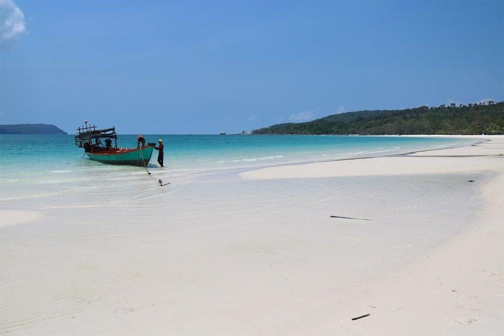 Pláže na ostrove Rong Sanloem turisti ešte len začínajú objavovať.