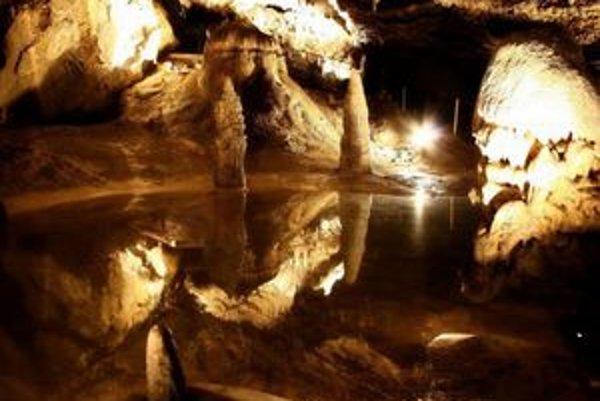 """<p>FOTO: <a href=""""http://fotky.sme.sk/fotka/199381/belianska-jaskyna"""">mindspeed, fotky.sme.sk</a></p>"""
