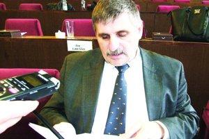 Štefan Štefek vystúpil pred minulými komunálnymi voľbami zo Smeru.