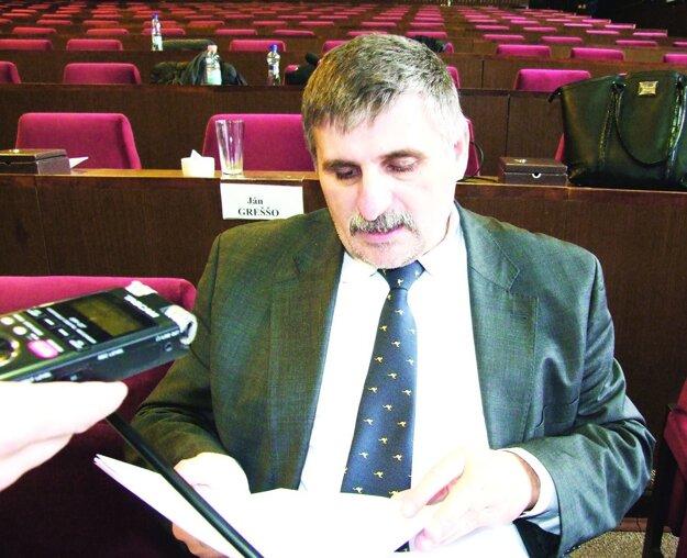 Štefan Štefek vystúpil pred voľbami zo Smeru.