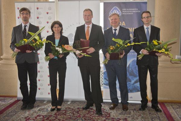 Zo slávnostného vyhlásenia výsledkov 19. ročníka súťaže významných slovenských vedcov, technológov a mladých výskumníkov zo všetkých oblastí vedy – Vedec roka SR 2015.