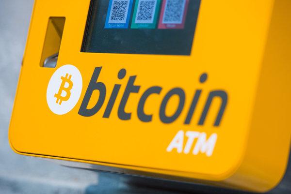 Bankomat digitálnej meny bitcoin.