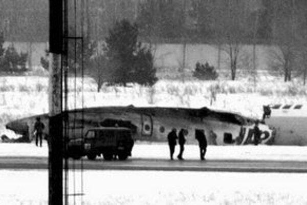 Lietadlá typu TU – 134 sú už staré, podľa expertov ich treba vyradiť.