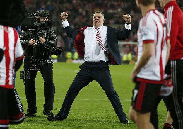 Sam Allardyce sa teší z víťazstva Sunderlandu nad Evertonom a zo záchrany v najvyššej súťaži.