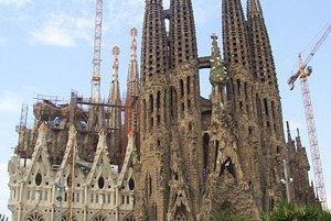 Antonio Gaudí: Sagrada Familia a Parc GüellSagrada Familia.