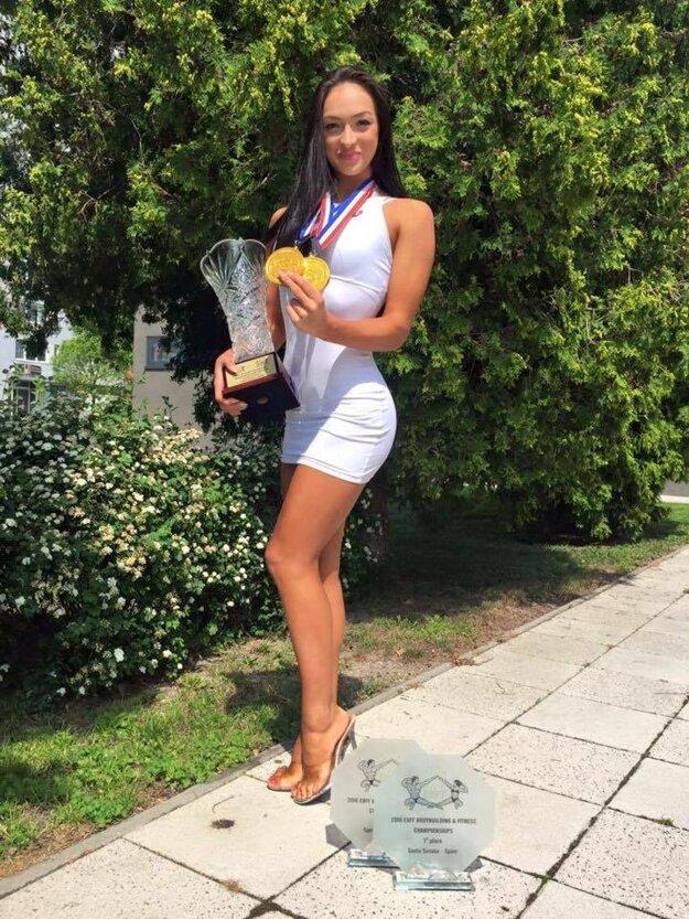 Tatiana so všetkými trofejami zo Santa Susanny
