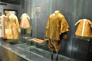 Vo väčšom oblečení bol pravdepodobne pochovaný Juraj Turzo.