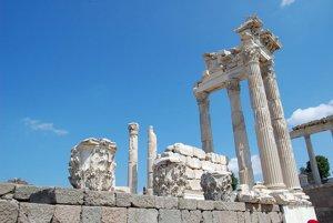 Akropola Pergamon. FOTO SME - MIRO ČEVELA