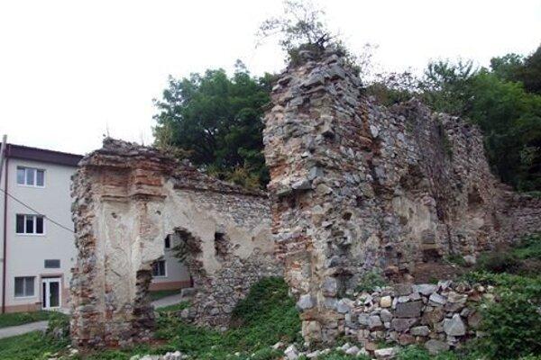 Ihrisko bude nadväzovať na náučný chodník a archeopieskovisko, ktoré otvoria 10. júna počas Noci kostolov.