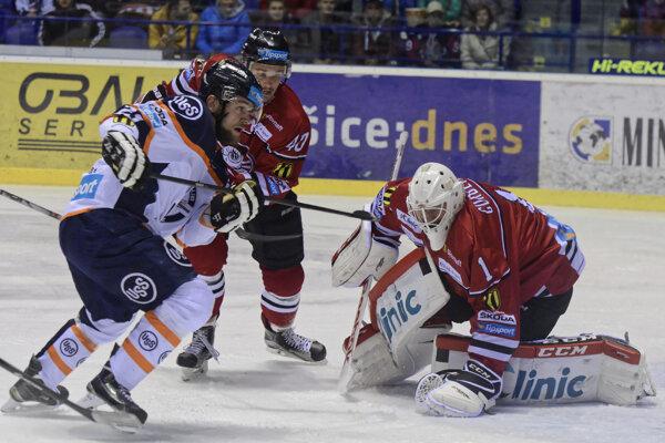 Matej Češík (vľavo) a Martin Gründling (v strede) sú už spoluhráči.