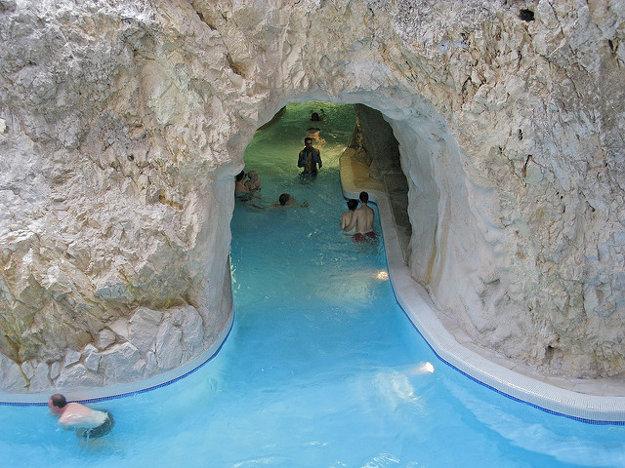 Jaskynné kúpele Tapolca.