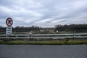 Križovatku Triblavina stavia pre Národnú diaľničnú spoločnosť spoločnosť Porr za 23,7 milióna eur.