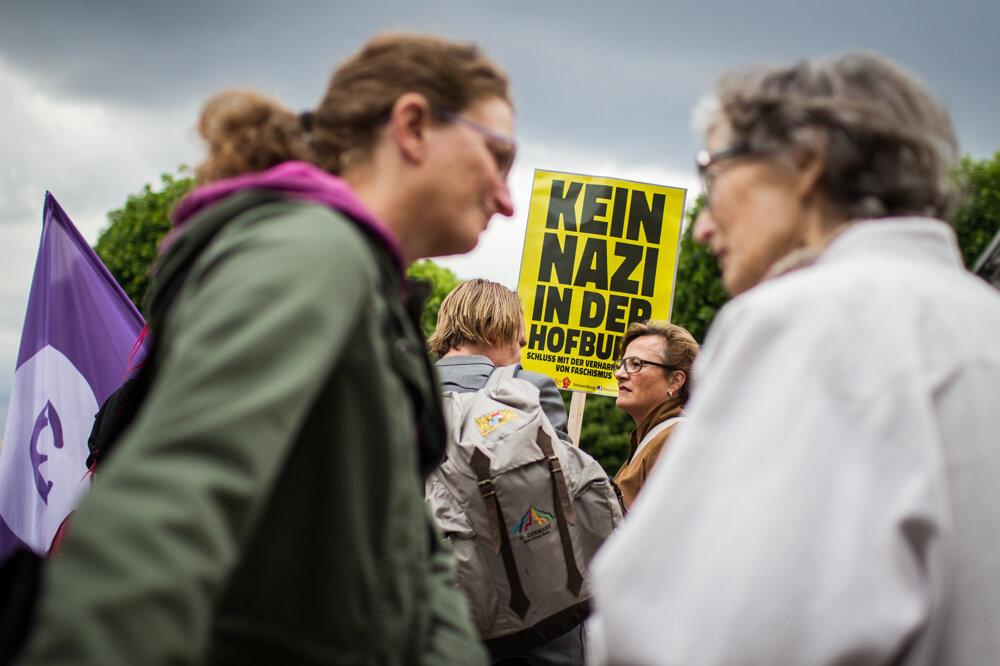 Demonštranti vo Viedni protestovali proti Hoferovi.